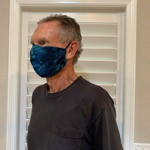 Face Mask with Inner Pocket and 1  layer of Filter